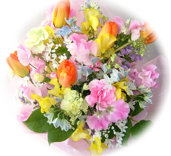 やわらかい印象の花束